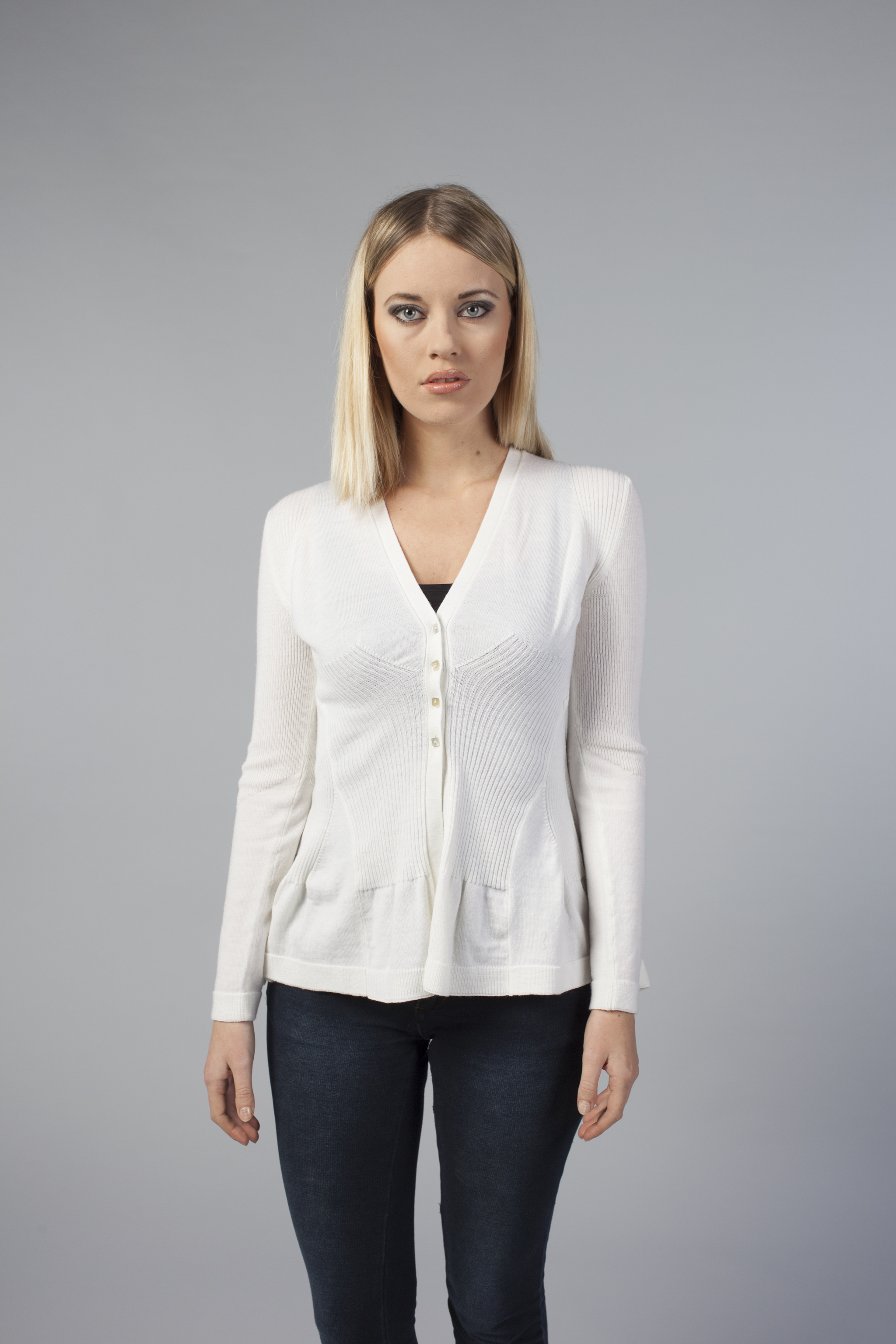 newest a4aa9 a0368 Shaped woman cardigan PAVONE made in merino wool